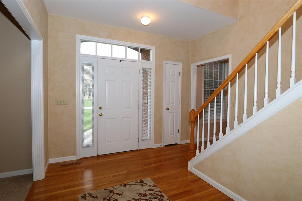 Foyer for 10630 Aspen Pl Union, KY 41091