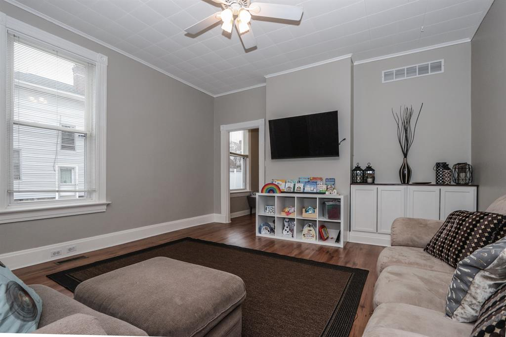 Living Room image 2 for 1717 Cleveland Ave Norwood, OH 45212