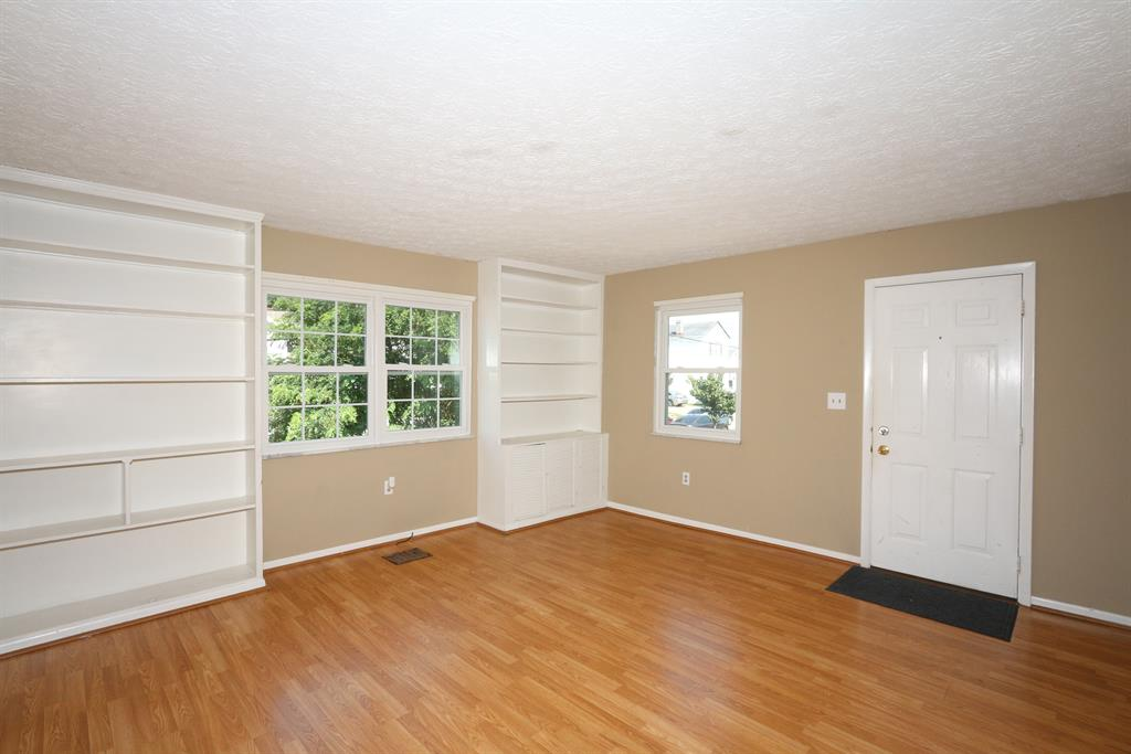 Living Room image 2 for 1721 Jefferson Ave Covington, KY 41014
