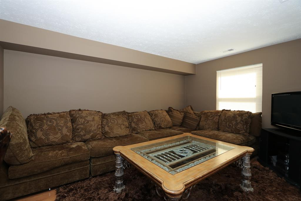 Living Room for 497 McIntosh Dr Union Twp. (Clermont), OH 45255