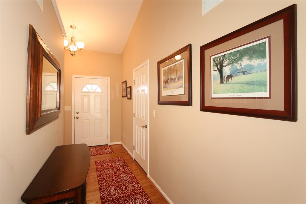 Foyer for 1892 Arbor Springs Blvd Union, KY 41091
