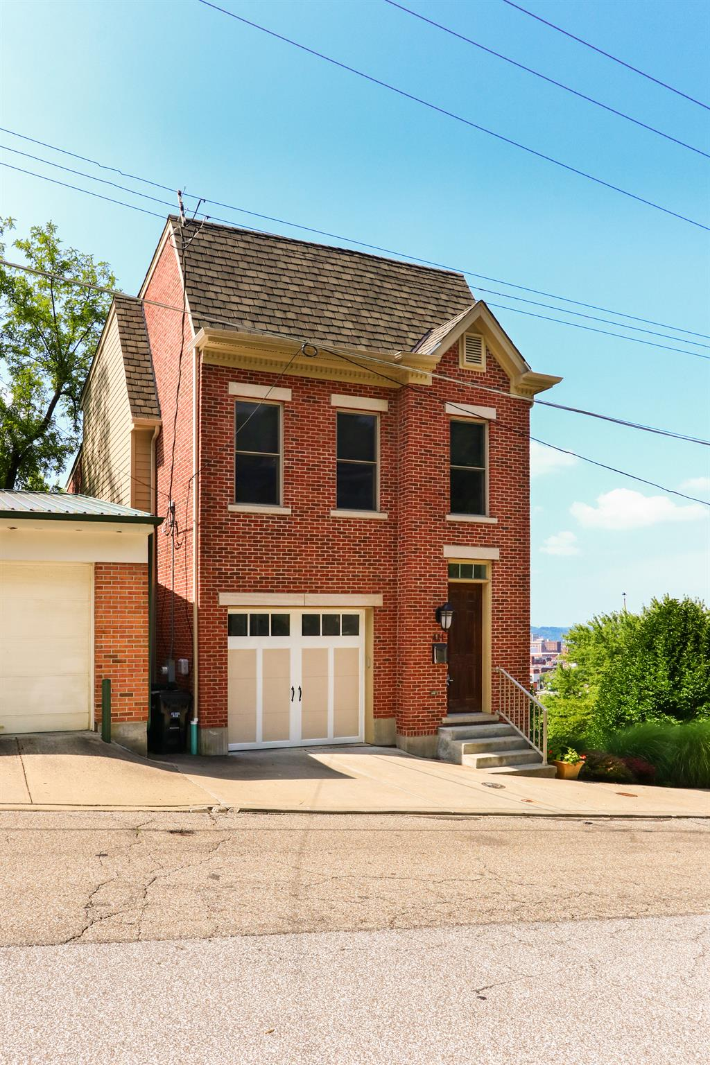 Exterior (Main) 2 for 421 Boal St Mt. Auburn, OH 45202