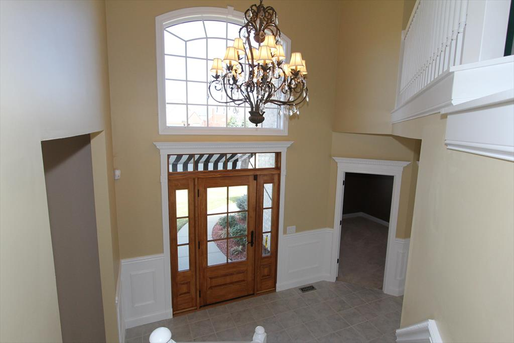 Foyer for 925 North Oak Dr Villa Hills, KY 41017