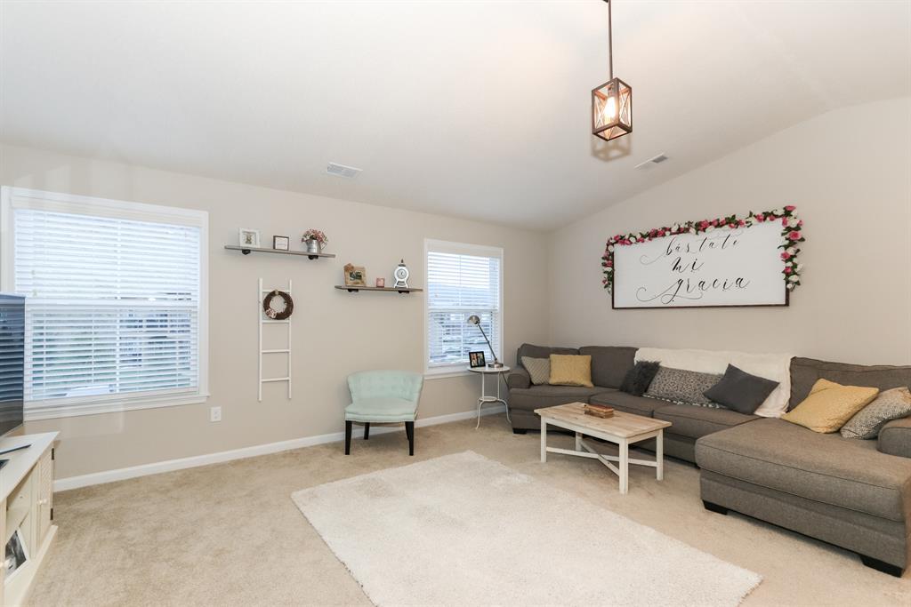 Living Room for 2123 Rolling Hills Dr Covington, KY 41017