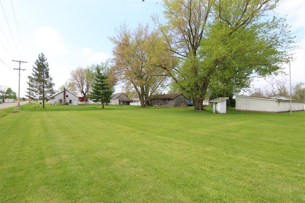 Yard for 10186 Whitcomb Rd Brookville, IN 47012