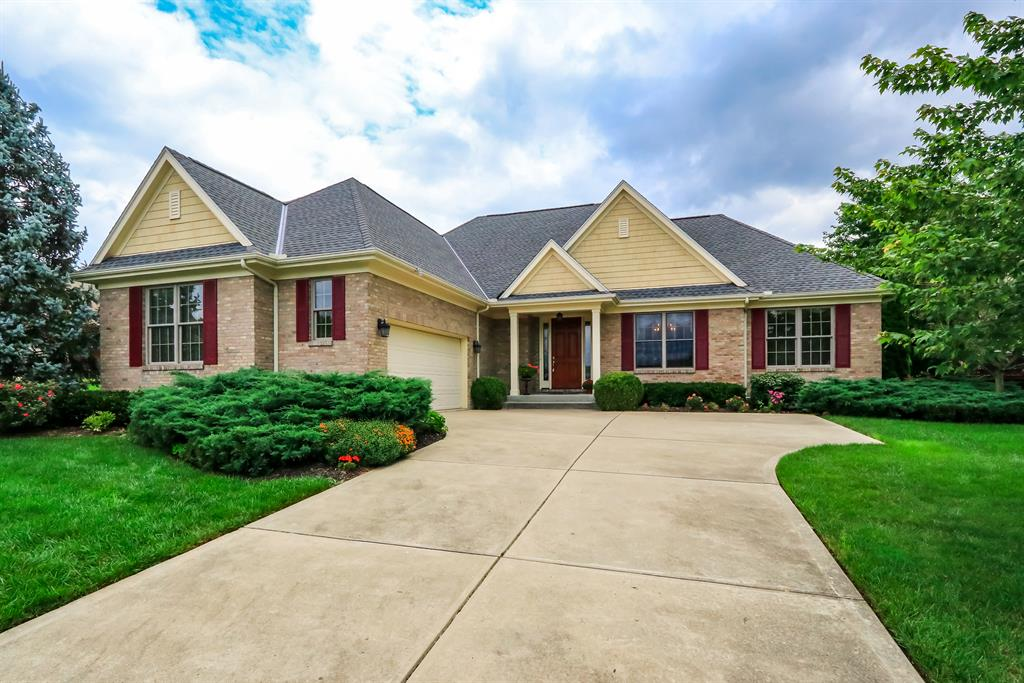 1049 Shore Point Ct Miami Twp. (East), OH