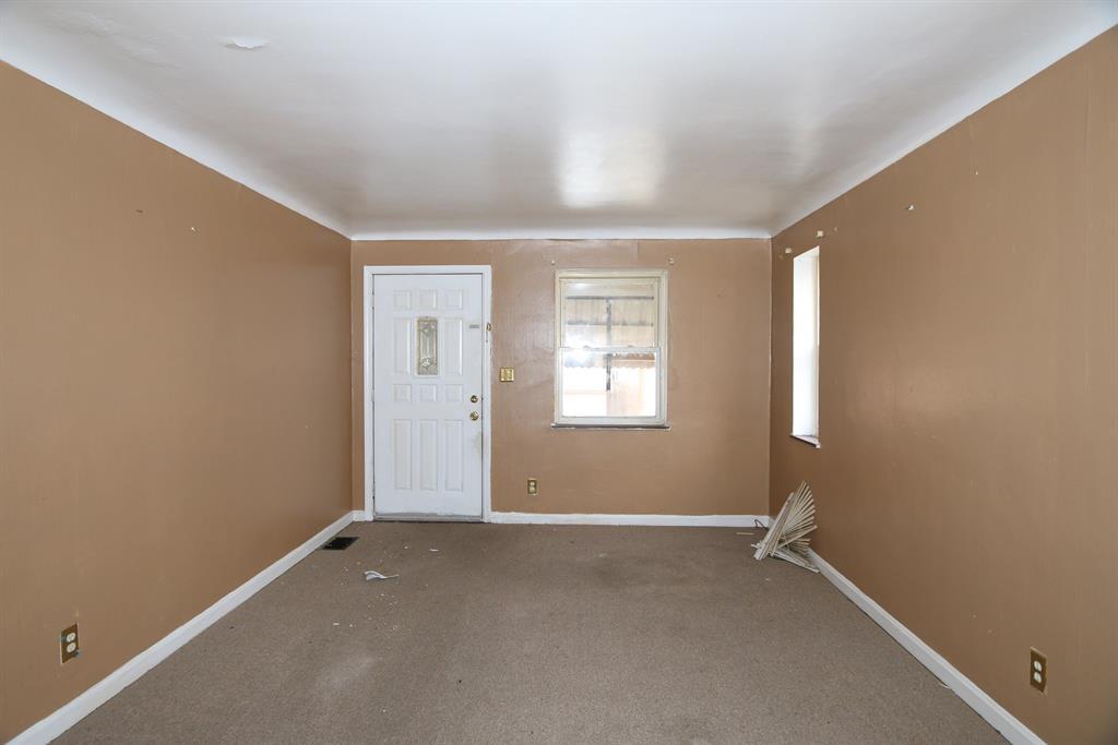 Living Room for 6218 Graceland Ave Golf Manor, OH 45237