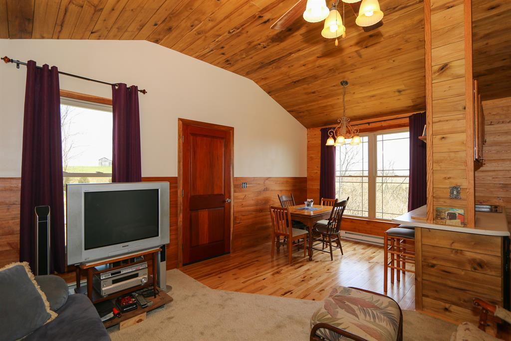 Living Room image 2 for 503 Kabler Mill Brooksville, KY 41004