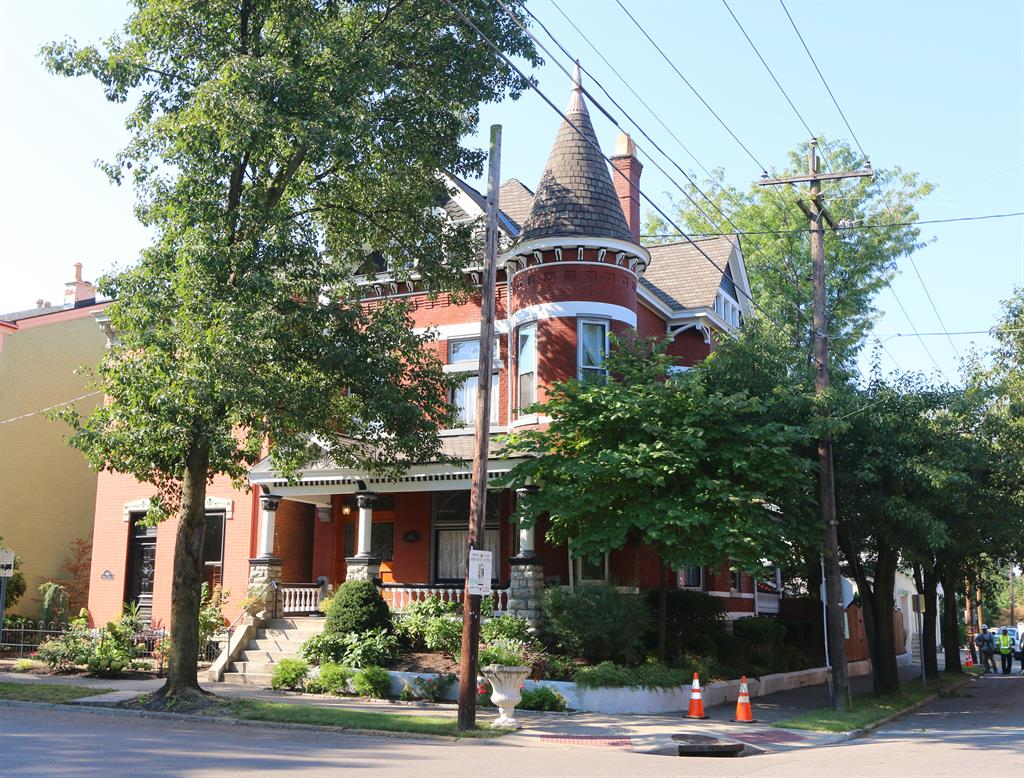 602 Monroe St