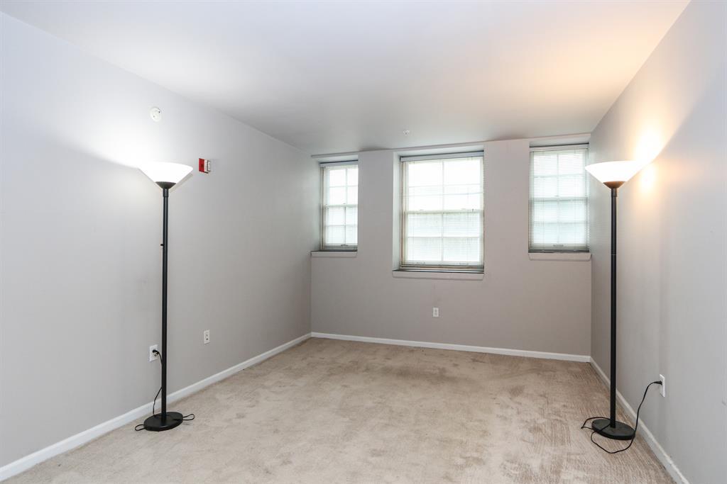 Living Room for 226 McDaniel St, 20 Dayton, OH 45405