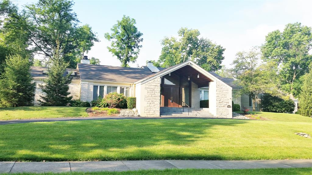 11 Albion Ln Glendale, OH