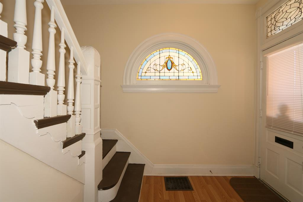 Foyer for 222 E 15th St Covington, KY 41011