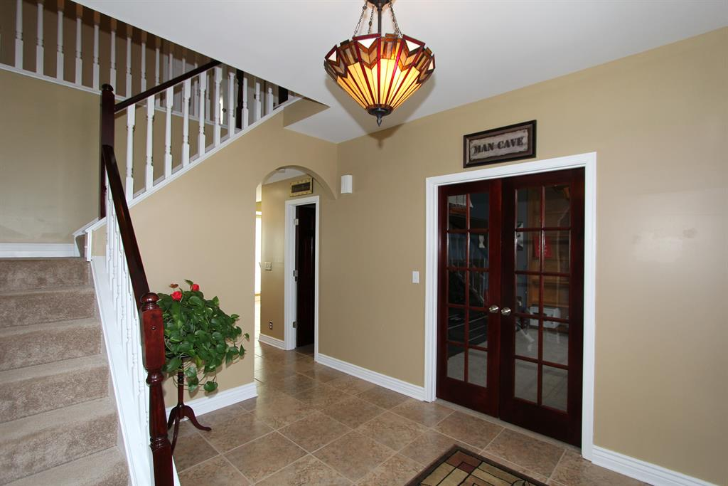 Foyer for 942 Lakepointe Ct Union, KY 41091