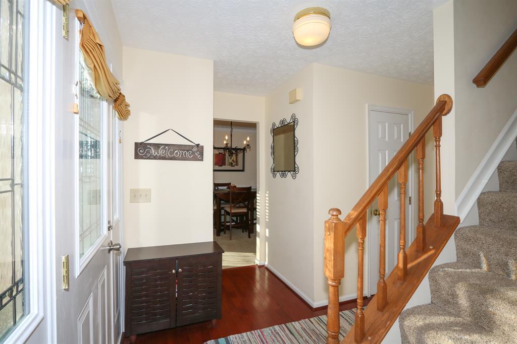 Foyer for 2083 Trailwood Dr Mt. Washington, OH 45230