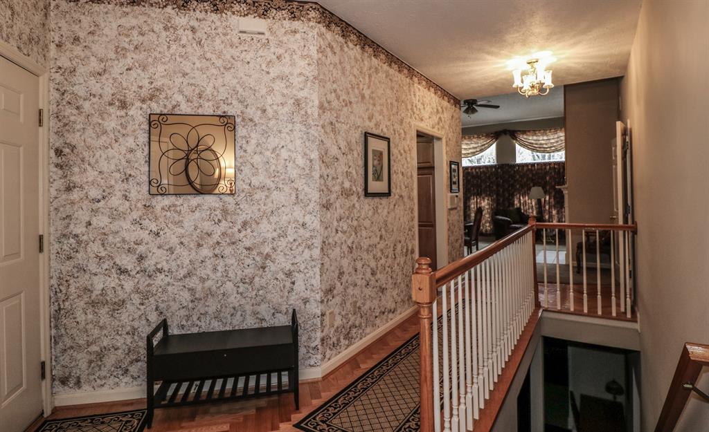 Foyer image 2 for 161 Summer Ln Crestview Hills, KY 41017