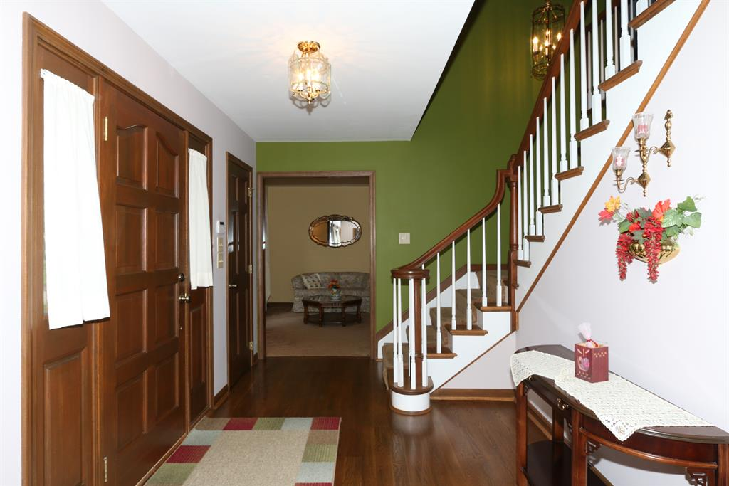 Foyer for 750 Hurstborne Ln Edgewood, KY 41017