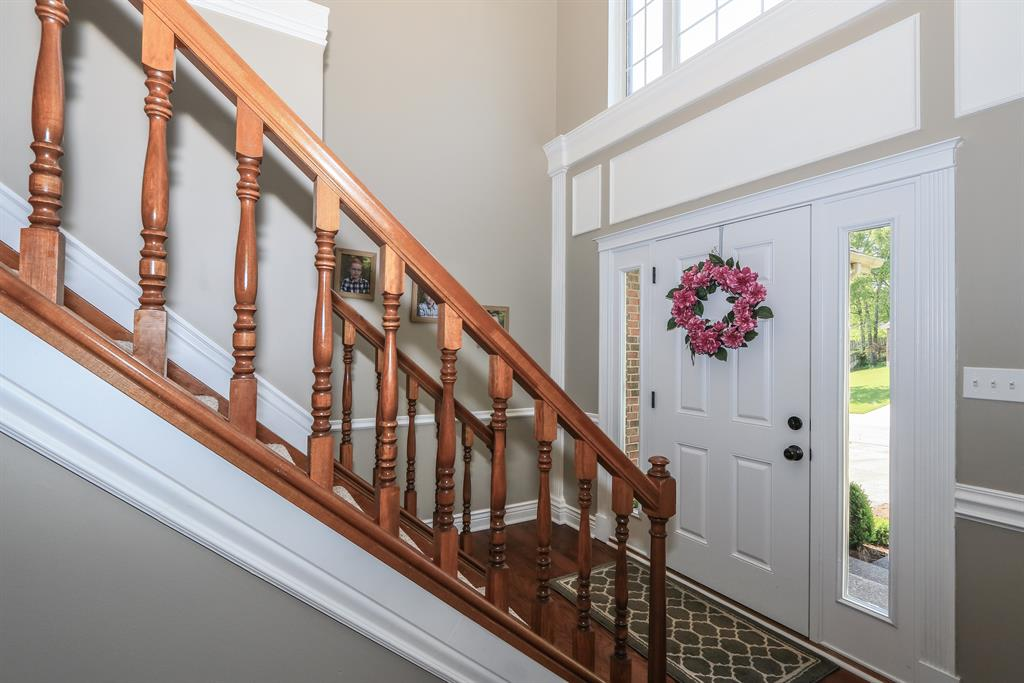 Foyer for 752 Timber Ln Independence, KY 41051