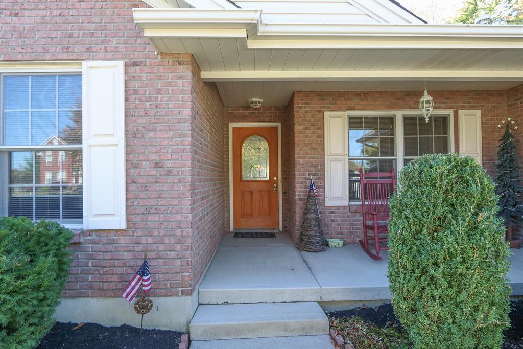 Entrance for 400 Harpwood Dr Franklin, OH 45005