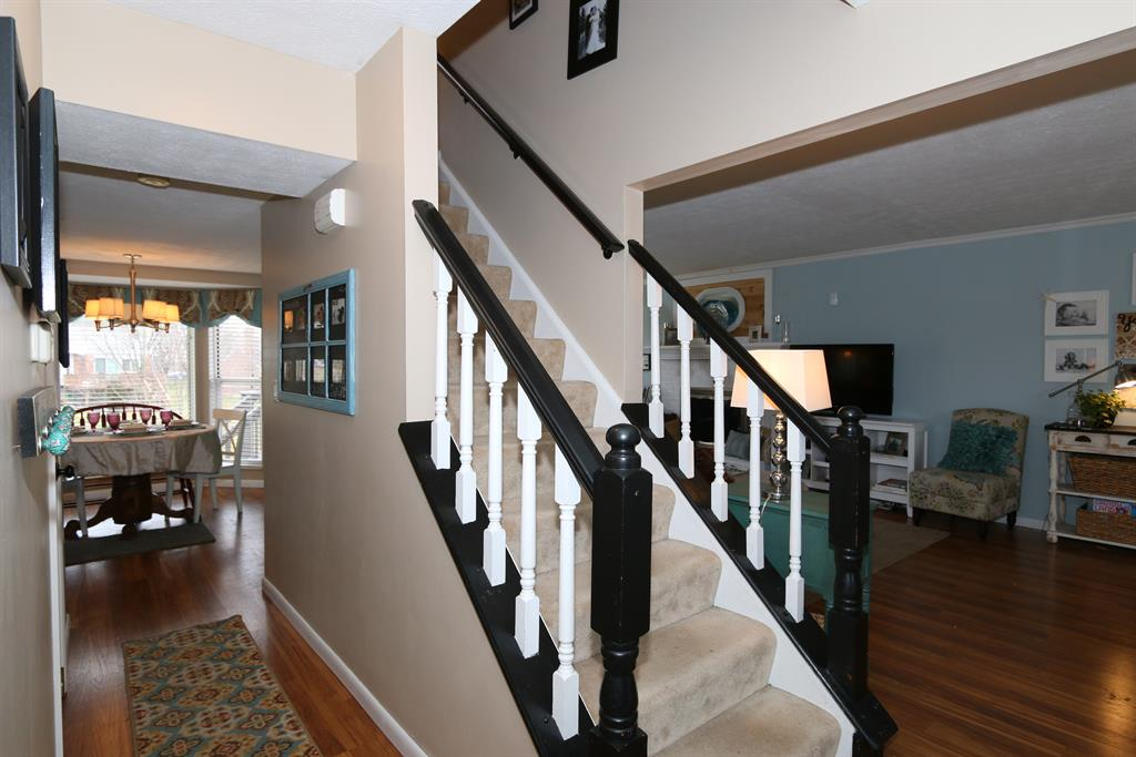 Foyer for 6249 Fairoaks Dr Florence, KY 41042