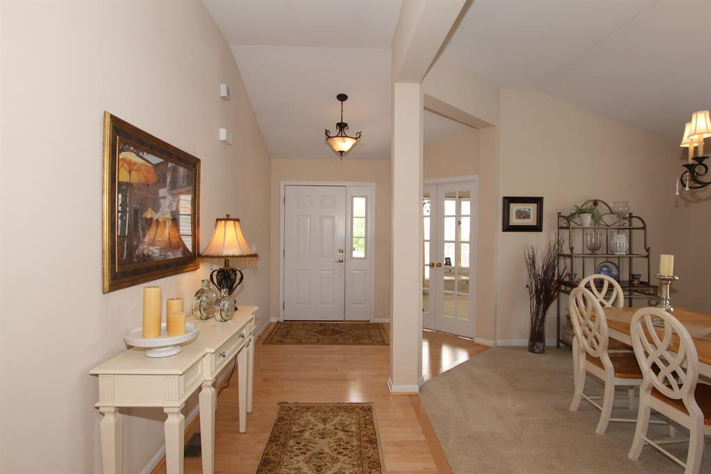 Foyer for 818 Covefield Ln Erlanger, KY 41018