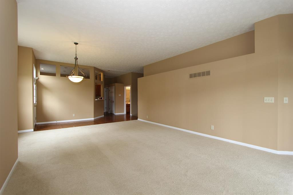 Living Room for 974 Augusta Blvd Union, KY 41091