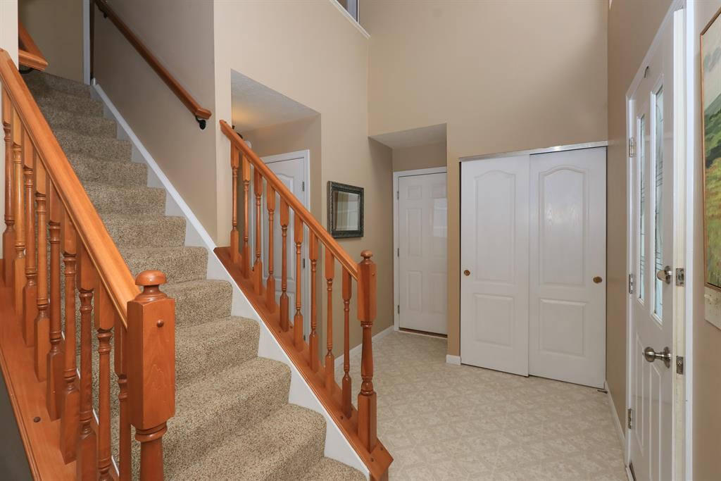 Foyer for 9662 Cloveridge Dr Independence, KY 41051