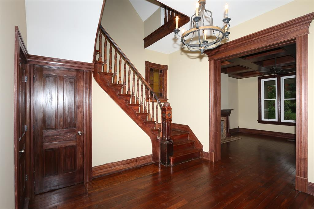 Foyer image 2 for 530 E 4th St Newport, KY 41071