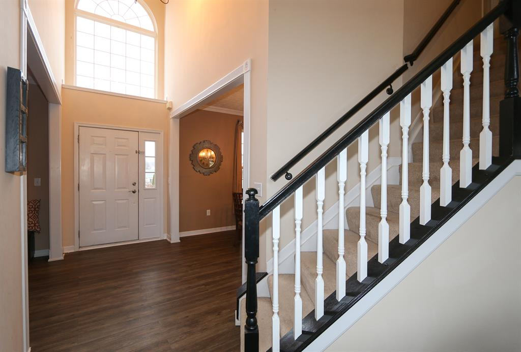 Foyer for 210 Bridle Pass Wy Monroe, OH 45050
