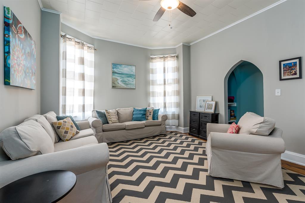 Living Room for 302 Taylor Ave Bellevue, KY 41073