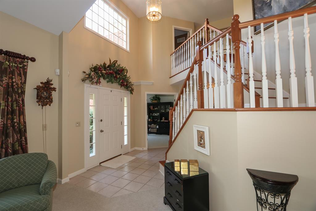 Foyer for 910 Riverwatch Crescent Springs, KY 41017