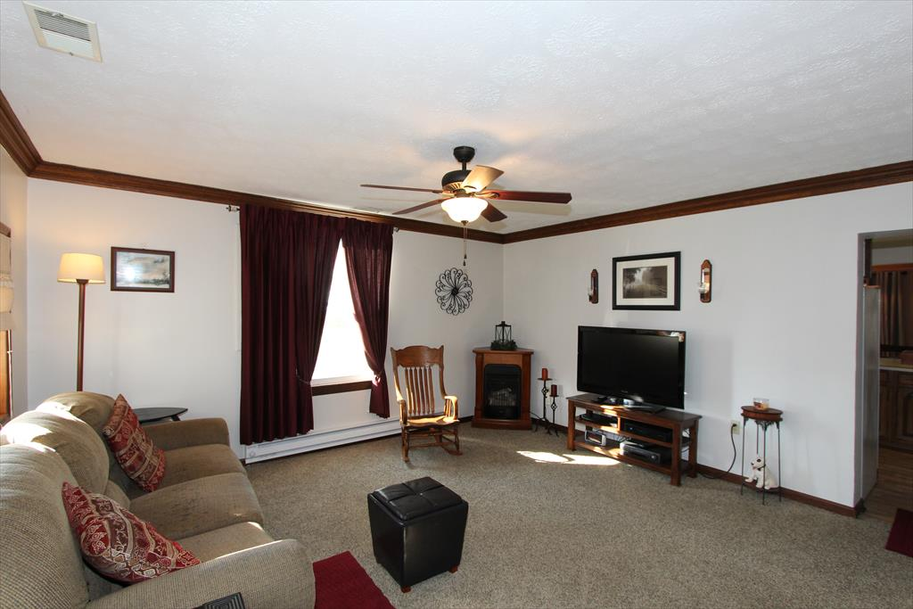 Living Room for 57 N Co Rd 850W Holton, IN 47022