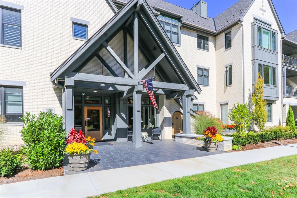 Entrance for 3818 Miami Rd #206 Mariemont, OH 45227