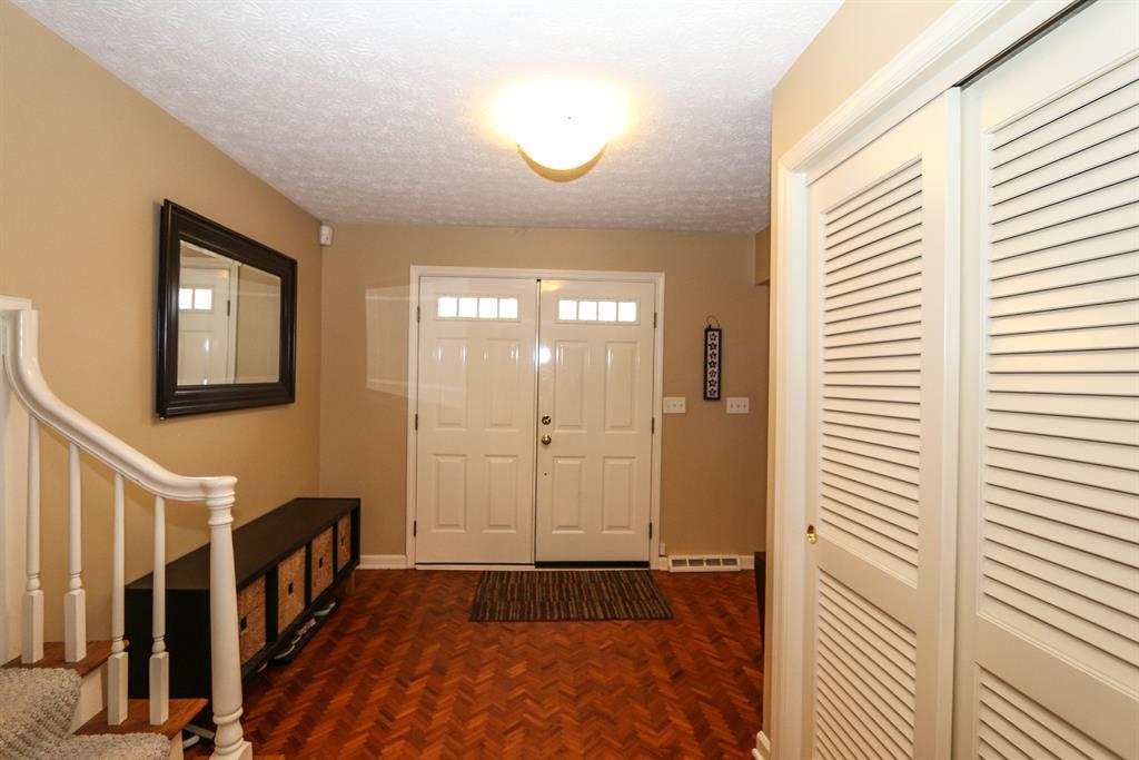 Foyer for 545 Sweetwood Ln Oakwood, OH 45419