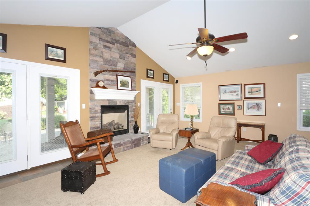 Family Room for 136 Laurel Ave Milford, OH 45150