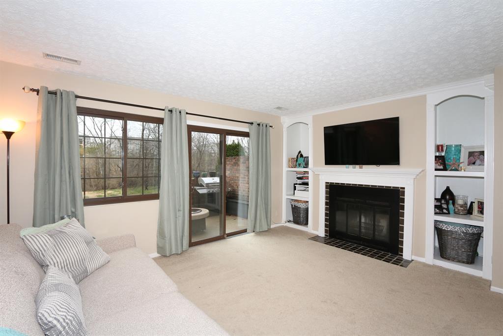Living Room for 6331 Cliffside Dr Florence, KY 41042