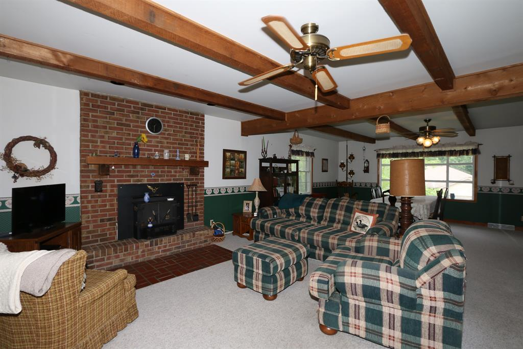 Living Room for 6473 Sugar Tree Ln Independence, KY 41051