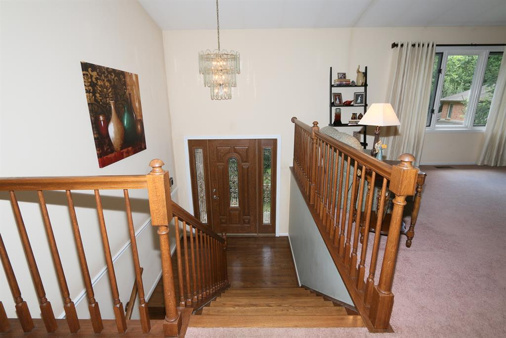 Foyer for 9 Covert Pl Fort Thomas, KY 41075