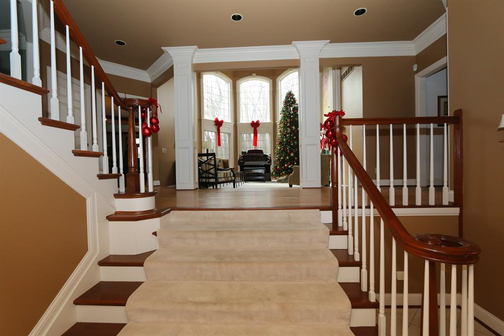 Foyer for 11325 Longden Way Union, KY 41091