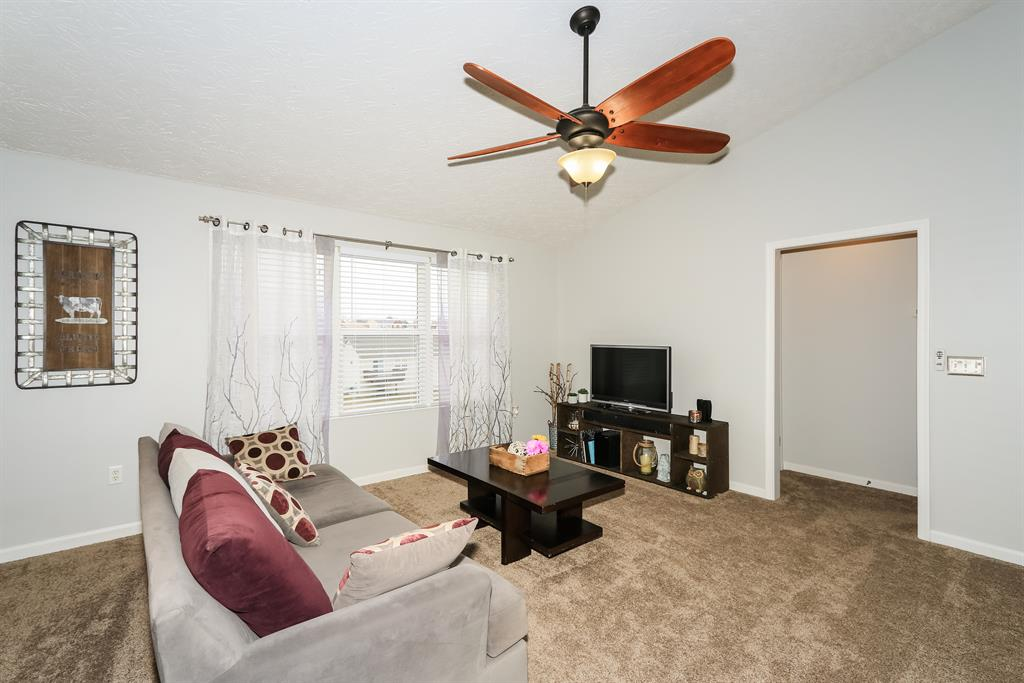 Living Room for 1202 Stoneman Ln Independence, KY 41051
