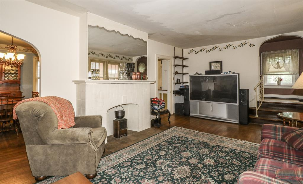 Living Room for 3637 Mozart Ave Cheviot, OH 45211