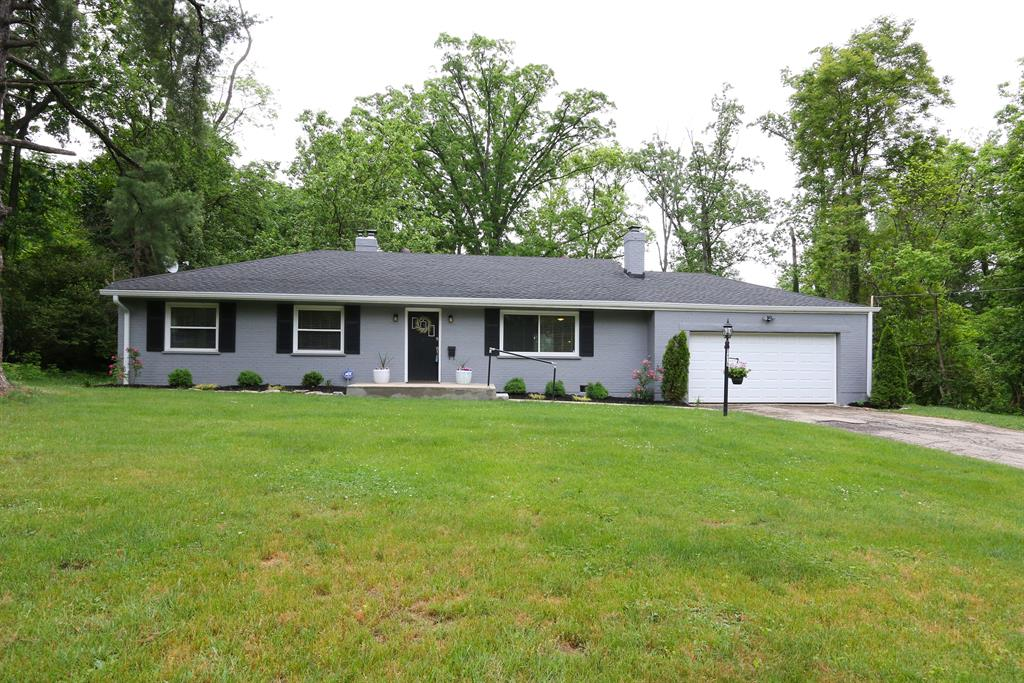 5476 Hill and Dale Dr Columbia Twp., OH