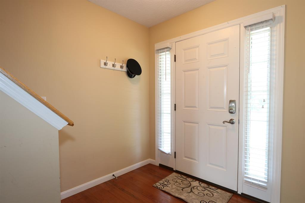 Foyer for 5111 Hill Springs Ct Lawrenceburg, IN 47025