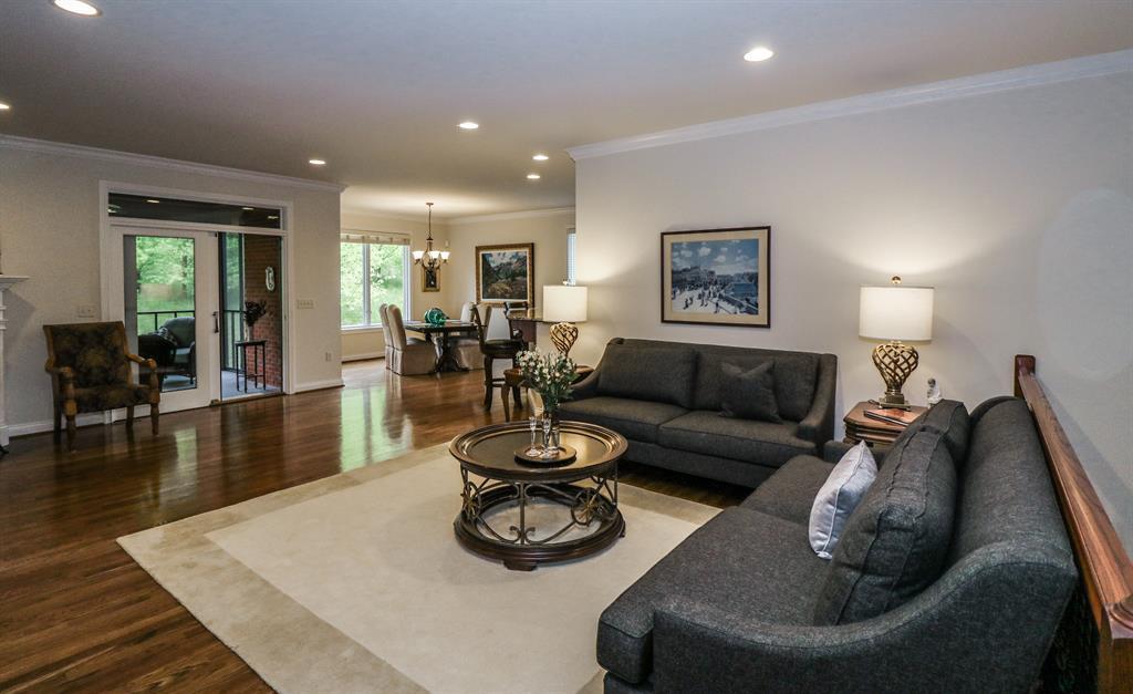 Living Room for 967 Westbrooke Ct Villa Hills, KY 41017