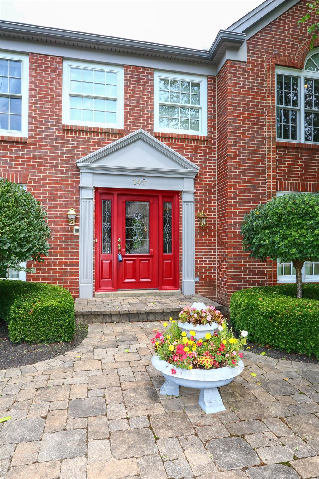 Entrance for 140 Woodspoint Dr Crestview Hills, KY 41017