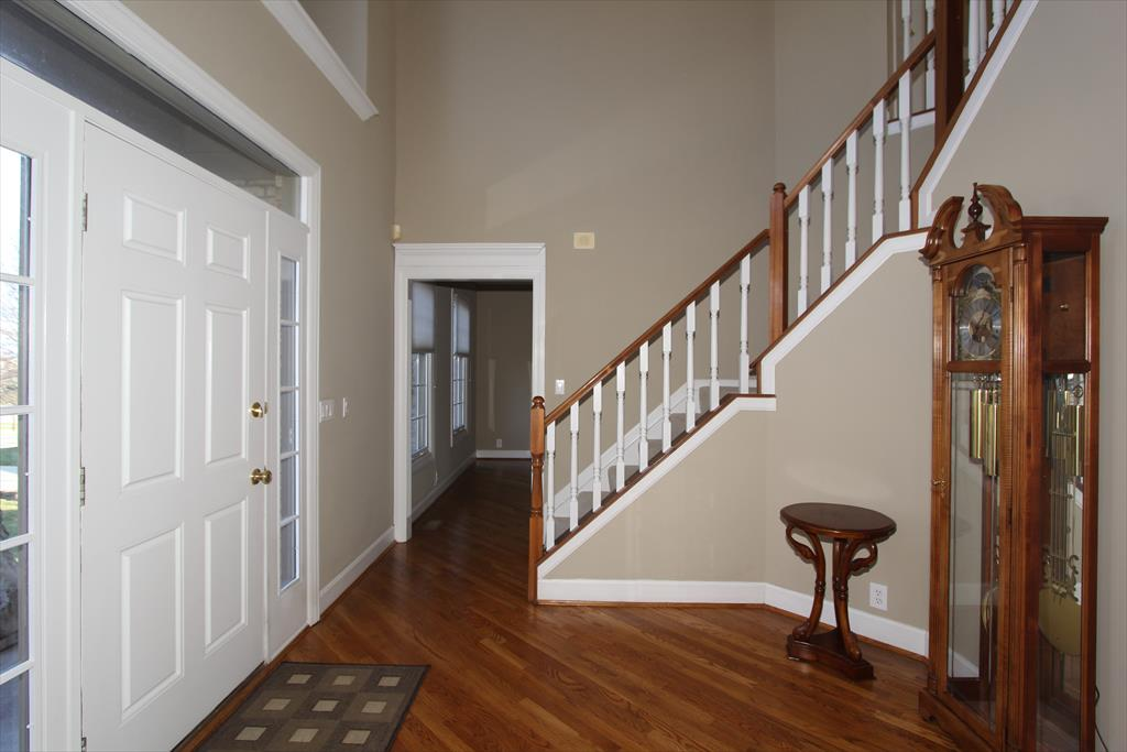 Foyer for 940 Appleblossom Dr Villa Hills, KY 41017