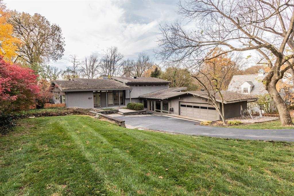 157 Linden Dr Wyoming, OH