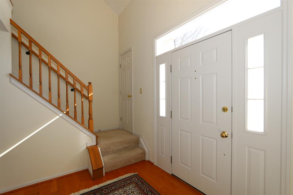 Foyer image 2 for 38 Thorne Hill Dr Florence, KY 41042