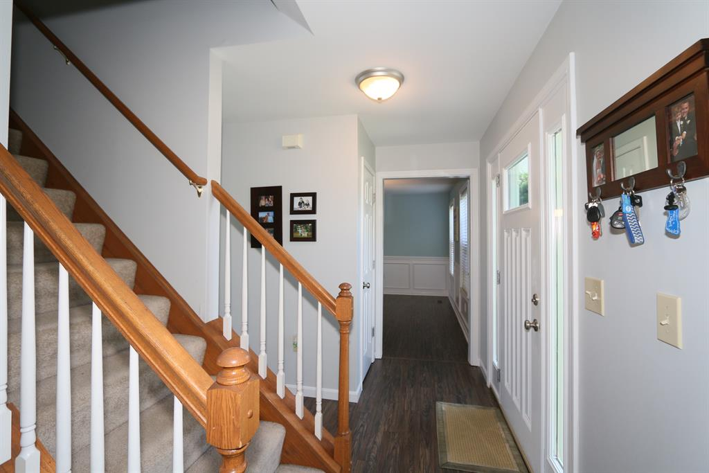 Foyer for 2511 Spring Mill Pl Burlington, KY 41005