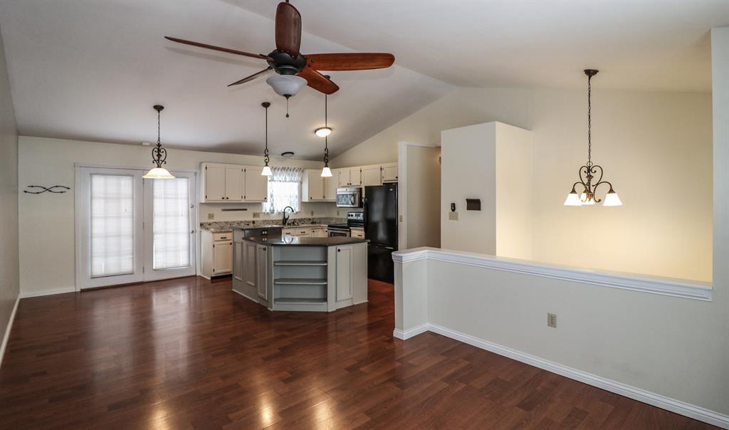 Living Room image 2 for 2696 Ridgecrest Ln Covington, KY 41017
