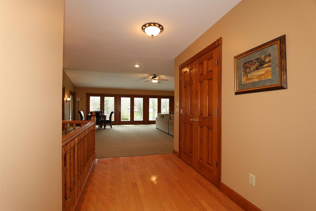 Foyer image 2 for 600 Lorelei Dr Lake Lorelei, OH 45118